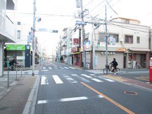 1つ目の桜台北口という信号を右折